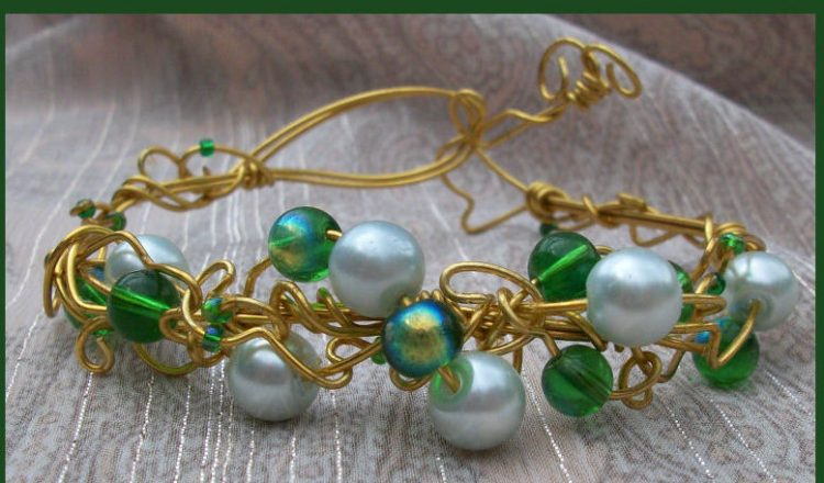 Green brass wire wrapped bracelet - wire wrapping guide