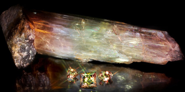 zultanite gemstones, rough and crystal form lighting