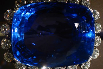 blue logan sapphire largest cut what color does sapphire come in