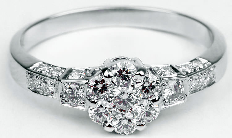 Diamond cluster engagement rings