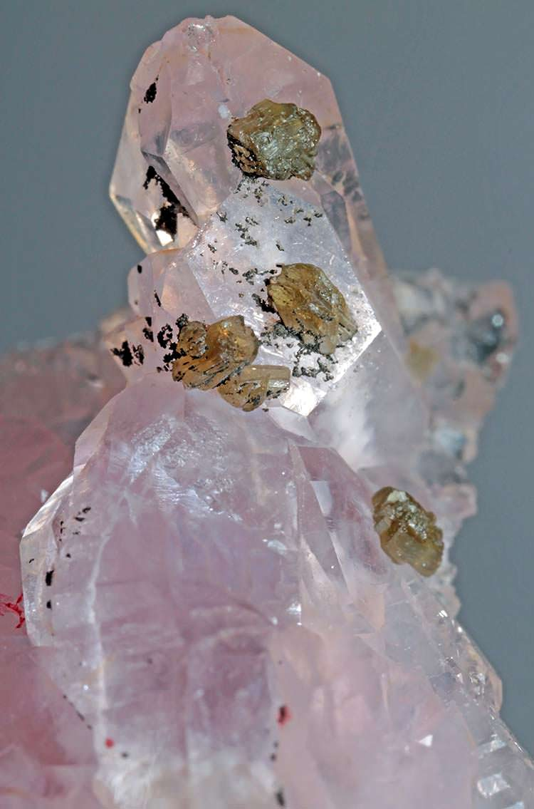 Rose quartz crystal with small zanazziite crystals from Minais Gerais in Brazil