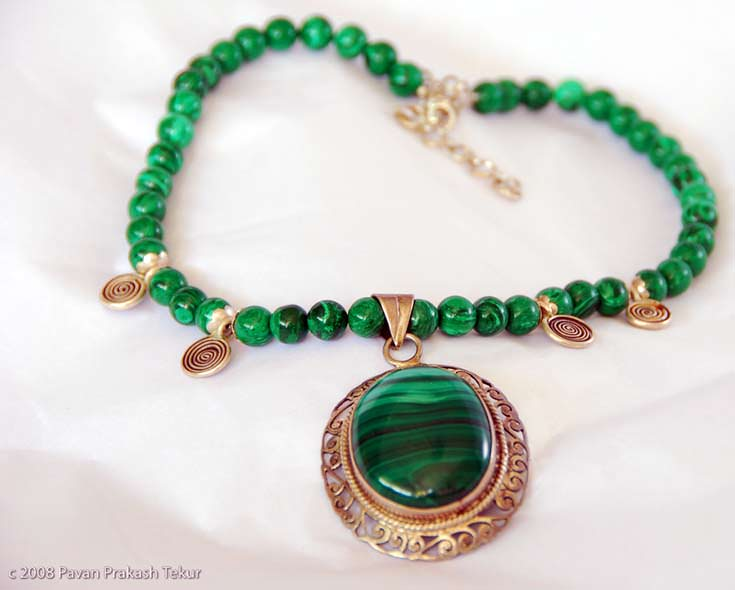 Malachite pendant with malachite beads