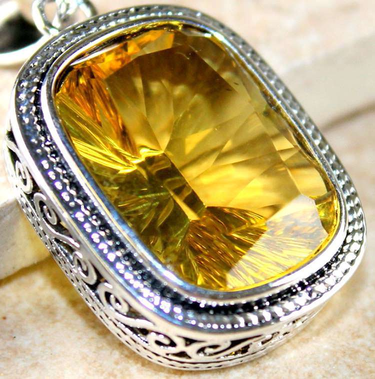 Yellow citrine pendant