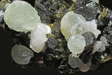Prehnite crystals on epidote matrix (dark) from Mali