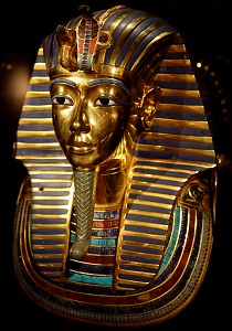 Tutankhamun deathmask inlaid with turquoise gemstones