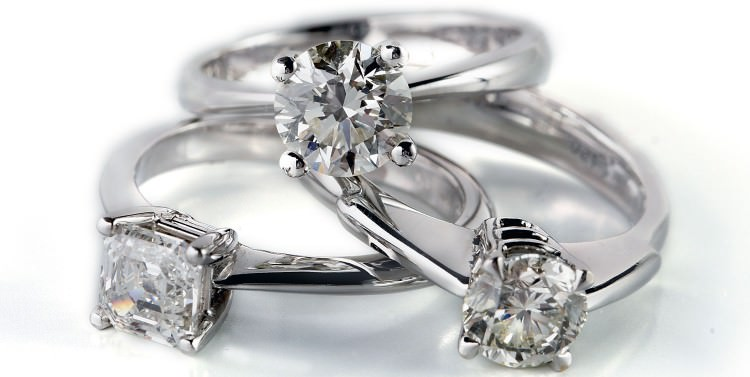 Diamond rings - how to clean diamonds at home